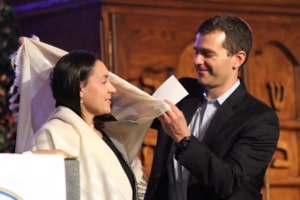 Rabbi Eliav presenting Rabbi Sarah Shulman at her ordination ceremony